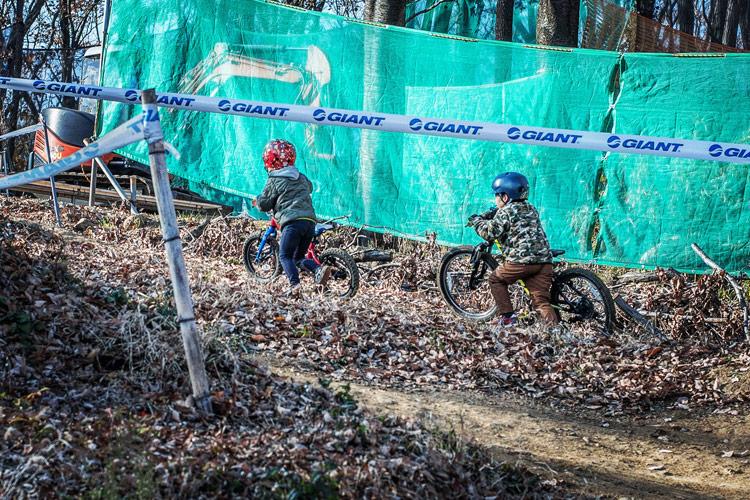 スマイルバイクパーク 4連ジャンプ SBP スラロームコース 叶大