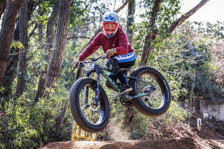 スマイルバイクパーク SBP 4連ジャンプ ファットバイク
