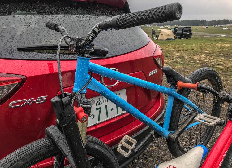麓キャンプ場(ふもとっぱら)でオートキャンプ 富士山背景 ヒッチメンバー サイクルキャリア SHAKA24