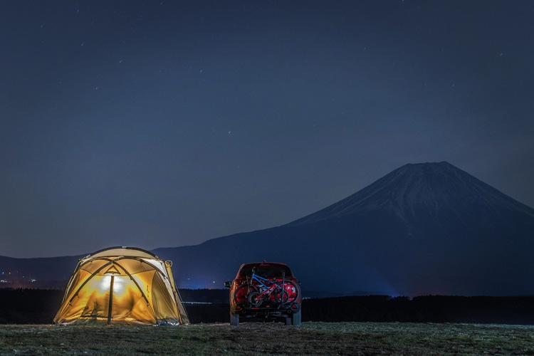麓キャンプ場(ふもとっぱら)でオートキャンプ 富士山背景 ヒッチメンバー サイクルキャリア