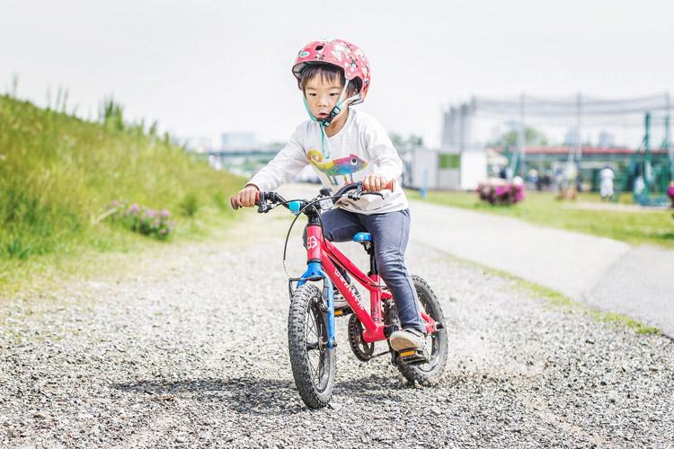 多摩川河原 ダートコース ヨツバサイクル YOTSUBA14 ブレーキスライド