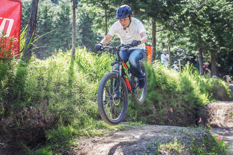 フォレストバイクでジャンプの基礎クリニック