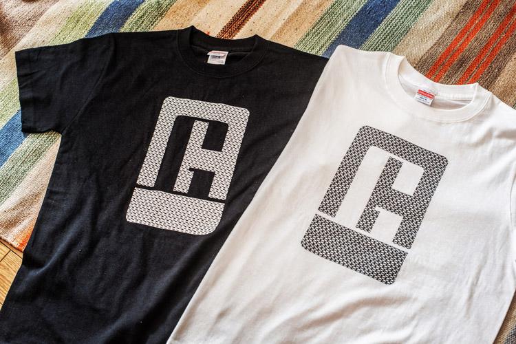 TUBAGRAロゴTシャツ