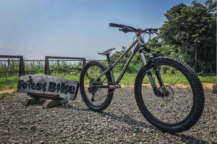 フォレストバイクでジャンプの基礎クリニック croMOZU275