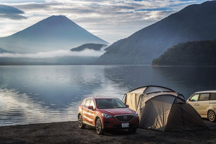 浩庵キャンプ場 本栖湖 富士山 MAZDA CX-5