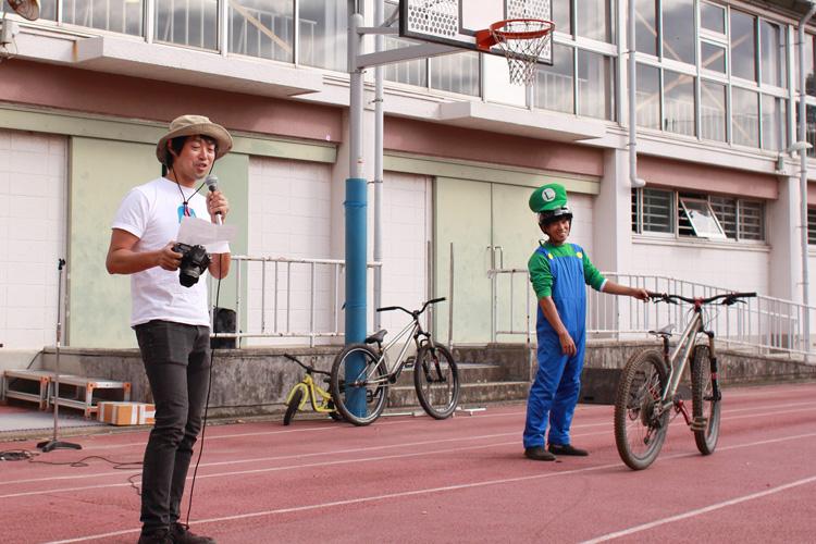 中学校 校庭 MTBショー WakuWakuあそびファクトリー