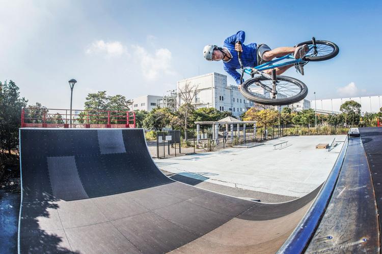 城南島海浜公園スケートパーク SHAKA24 エアターン
