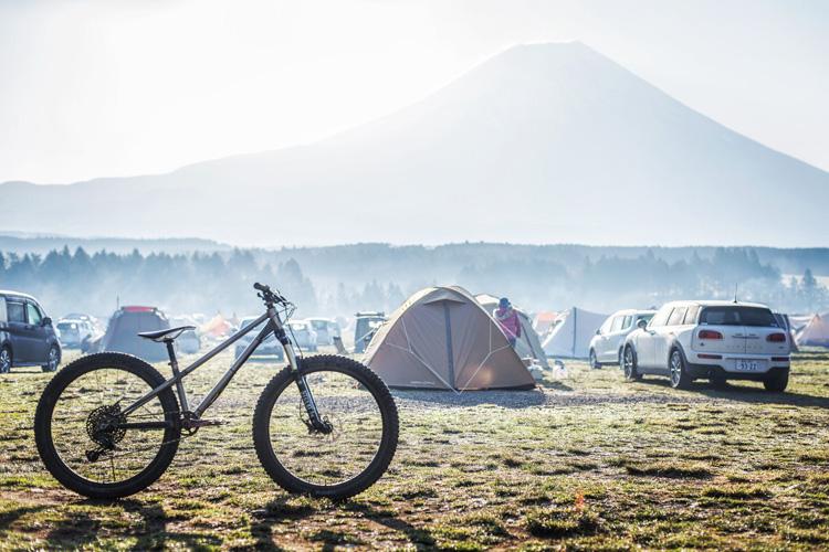 麓キャンプ場 ふもとっぱらキャンプ場 マウンテンバイクコース オートキャンプ croMOZU275