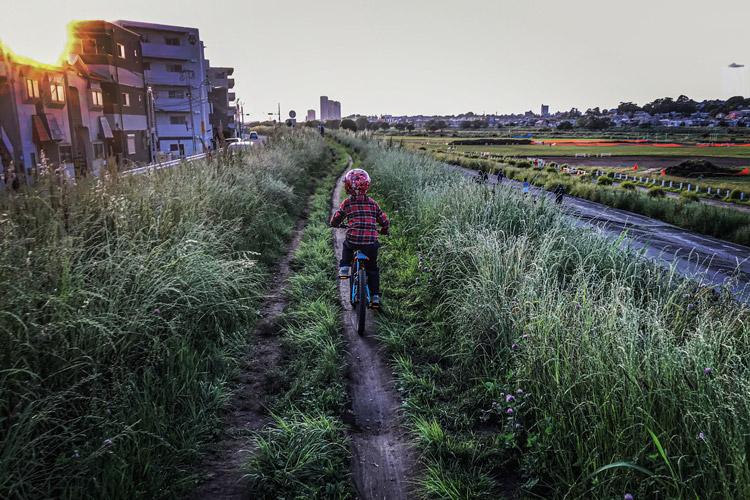 BIKE&FISH 多摩川 ヨツバサイクルで走る叶大