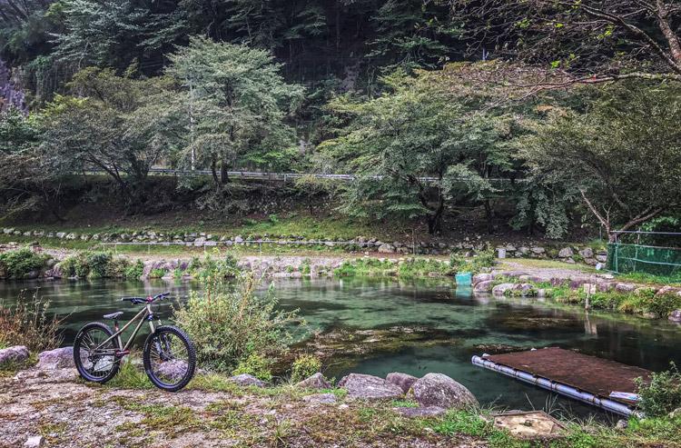 ウェルキャンプ西丹沢 釣り堀 ニジマス