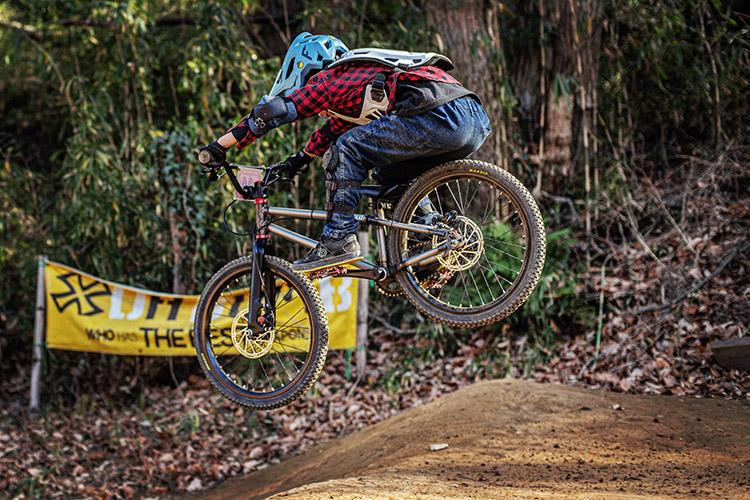 スマイルバイクパーク SBP 4連ジャンプ koMOZU