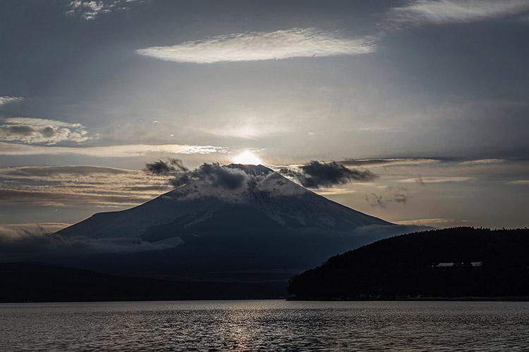 山中湖 レイクロッジヤマナカキャンプ場 ダイヤモンド富士