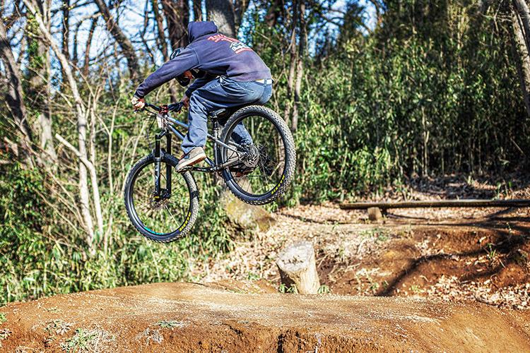 スマイルバイクパーク SBP 4連ジャンプ croMOZU275 カイト君のお父さん