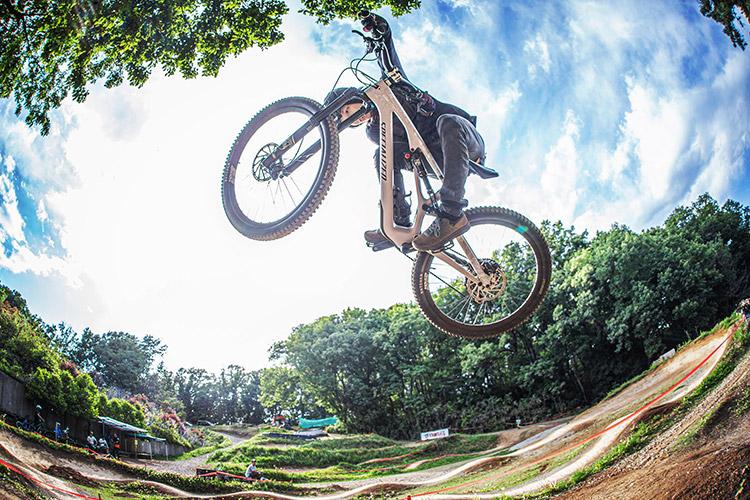 スマイルバイクパーク SBP 板垣奏男 4連ジャンプ
