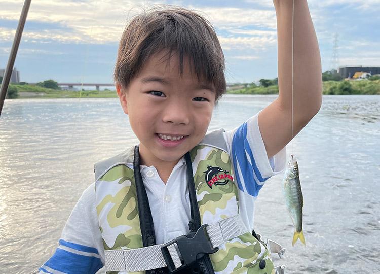 多摩川 毛針でオイカワ釣りを楽しむ叶大
